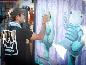 Austin-City-Limits-Festival-ACL-2014-Weekend-One-Day-Two-ATT-Gigapower-Graffiti-Artist-Lucas-Aoki_115233